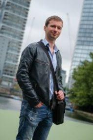 Londres, aout 2016, portraits de Olivier Roland, entrepreneur devenu milionnaire sur internet grâce à ses blogs. Il est auteur du livre