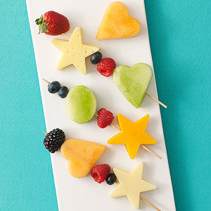 fruit-and-cheese-kabobs