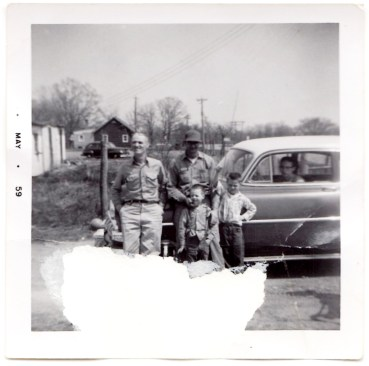 Olgie (left), Curtis (in hat), Keith (small kid), Neale (right) Lemaster.