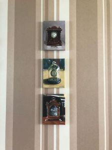 Interieur schilderijen klokken close-up, olieverf op doek, Serge de Vries