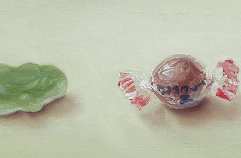 Detail schilderij Drie snoepjes, olieverf op paneel, 8 x 17 cm, Serge de Vries