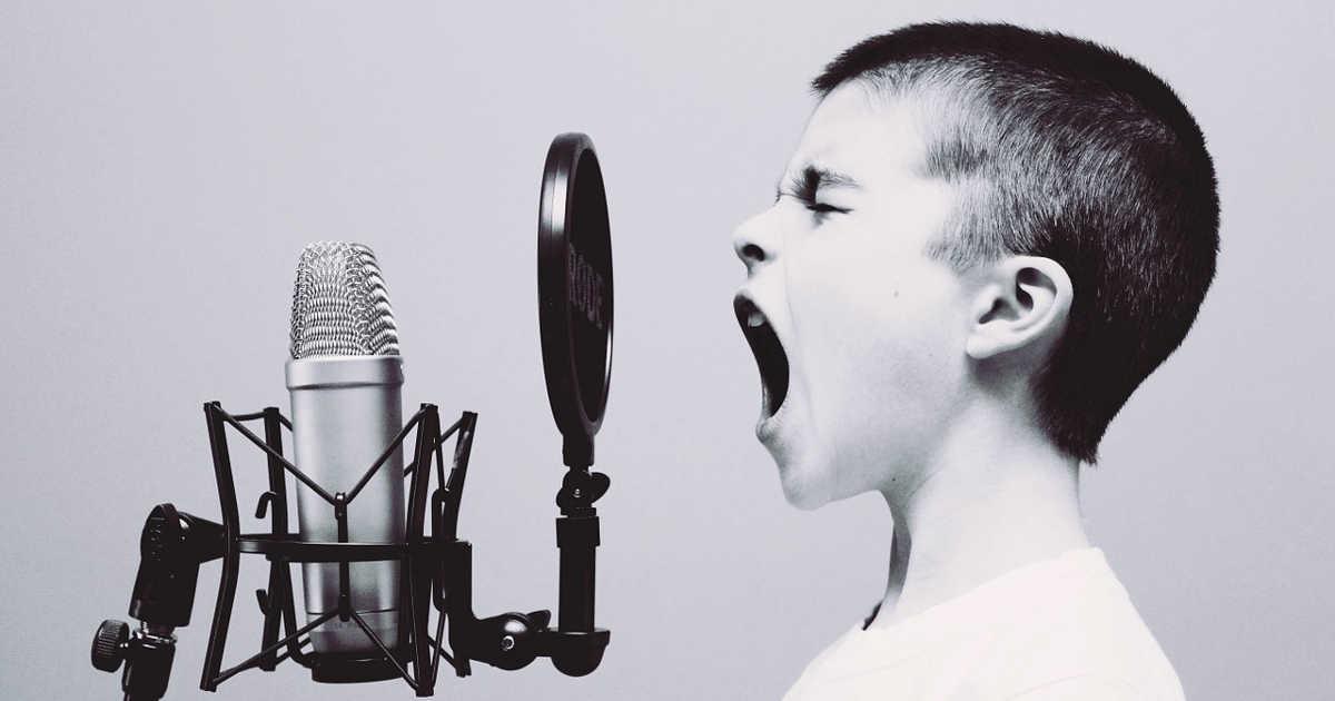 Bambino che parla