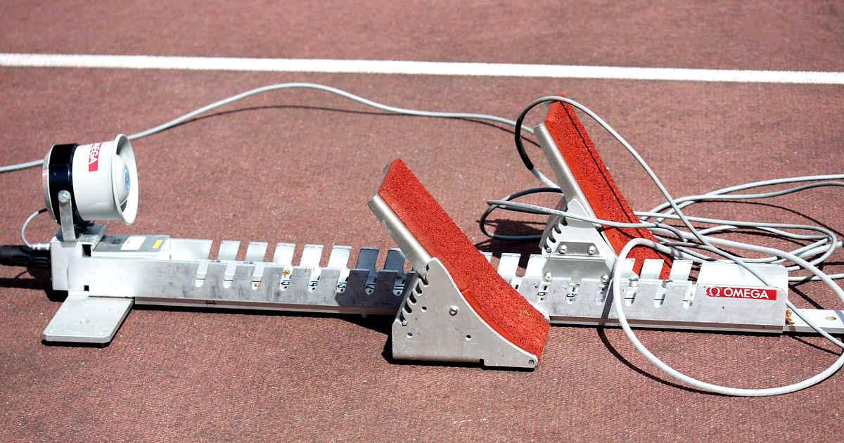 Blocchi di partenza sulla pista di atletica