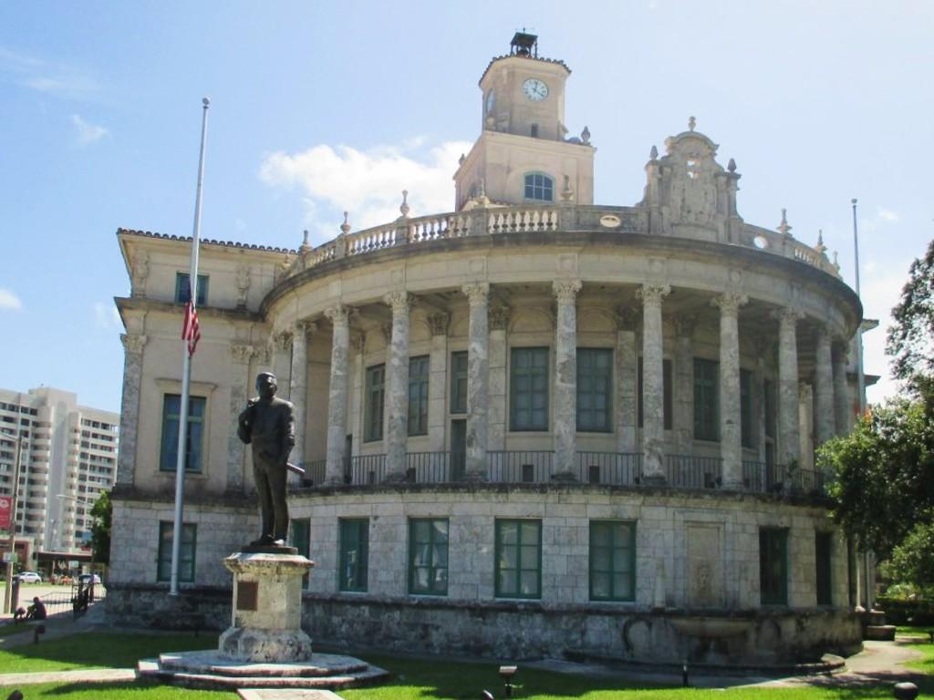 Que faire à Miami ? Allez voir le City Hall de Coral Gables