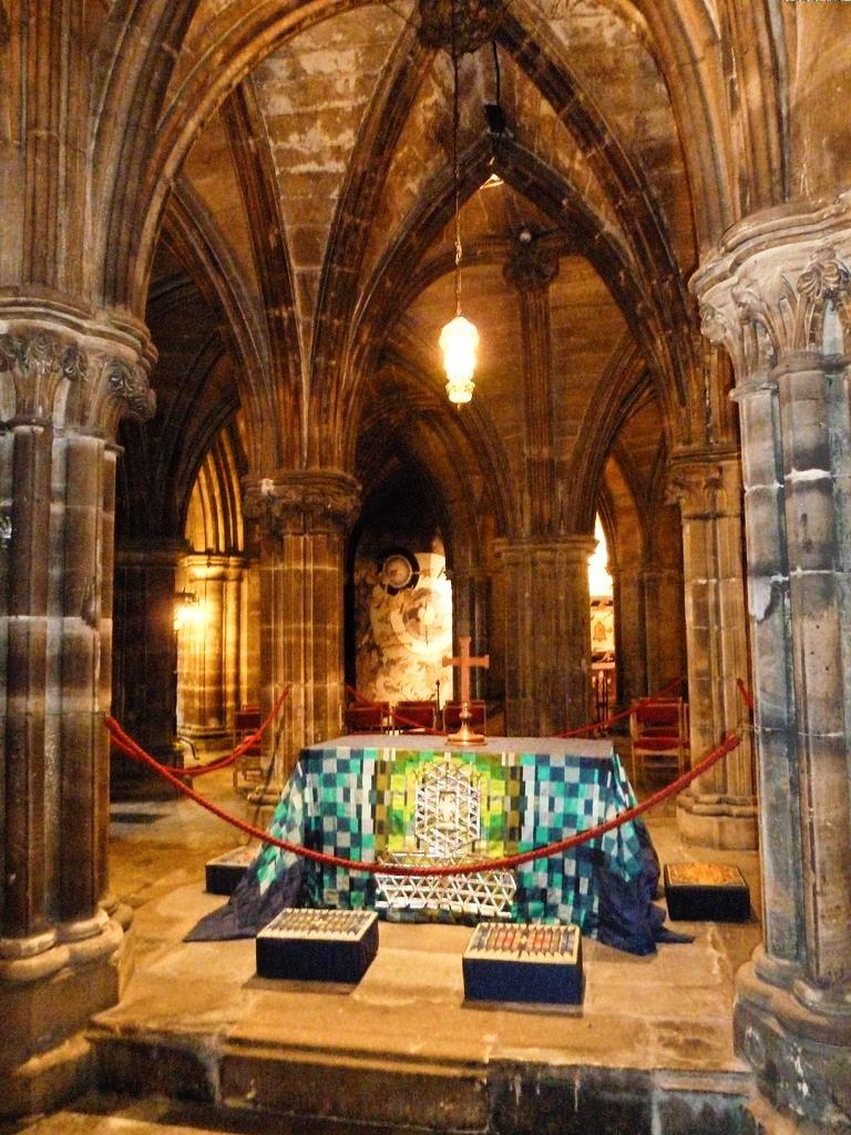Glasgow tombe de Saint Mango