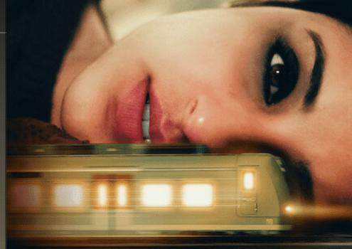 Mira, la fille du train : le best-seller adapté dans un film indien sur Netflix