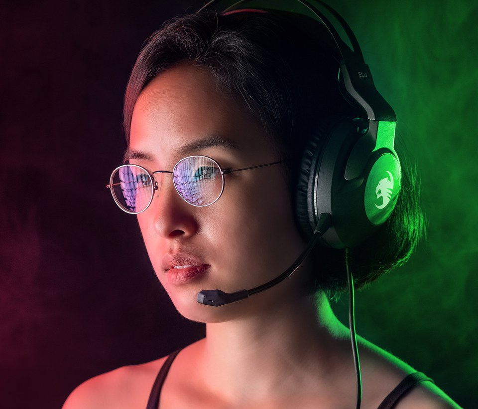 Review: Rocat ELO x Stereo. Great economical wired cross-platform gamer headphones.