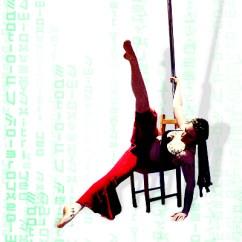 Chair Dance Ritual Song Beach Carrier Le Serpent Blanc Tanzstudio Fur Gogo Pole Orientalischen Stuhl Und Stange In Kombination Auf Der Lehne Rakeln Beinspiel Sexy Drehungen Anmutige Schwebefiguren Alles Ist Moglich