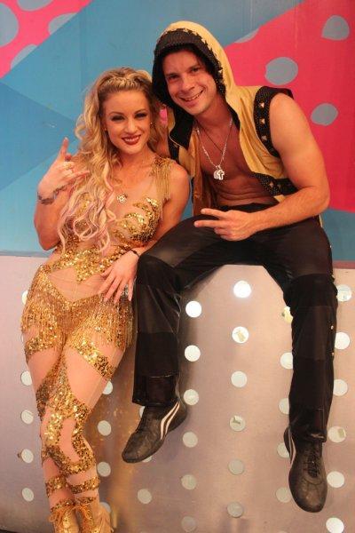Nueva Competencia De Baile En Combate Con Leslie Shaw
