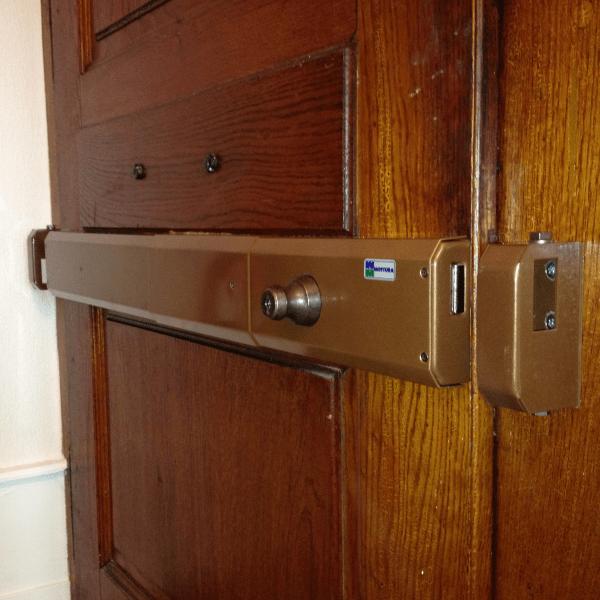 Barre de sécurité horizontal