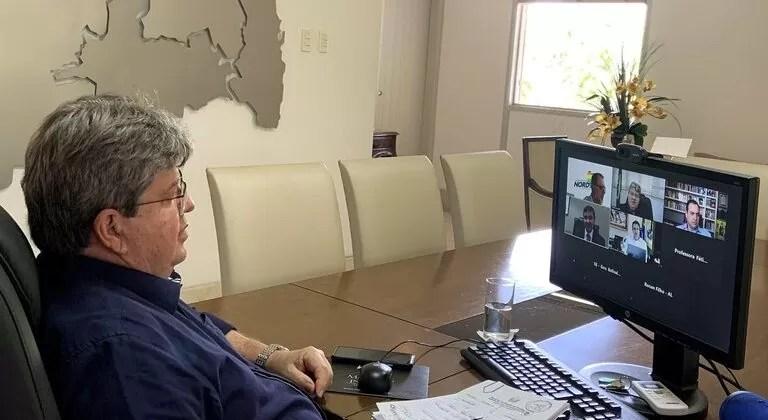 João Azevêdo discute plano de vacinação com governadores do Consórcio Nordeste