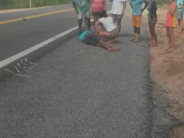 Colisão entre carro e moto deixa popular ferido na BR 230 entre as cidades de Aparecida e Pombal