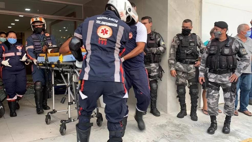 Briga acaba com dois homens feridos em estabelecimento da Avenida Epitácio, em João Pessoa