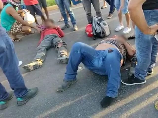 Acidente de trânsito envolvendo motocicletas deixa duas pessoas feridas