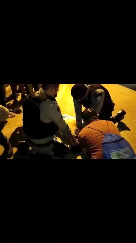 POLICIAIS MILITARES REANIMAM HOMEM APÓS SOFRER PARADA CARDIORRESPIRATÓRIA EM POMBAL