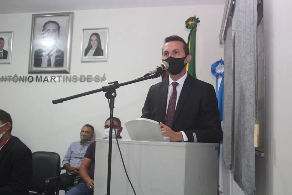 Câmara Municipal de São Domingos aprova projeto de lei de autoria do vereador Valderan de Almeida