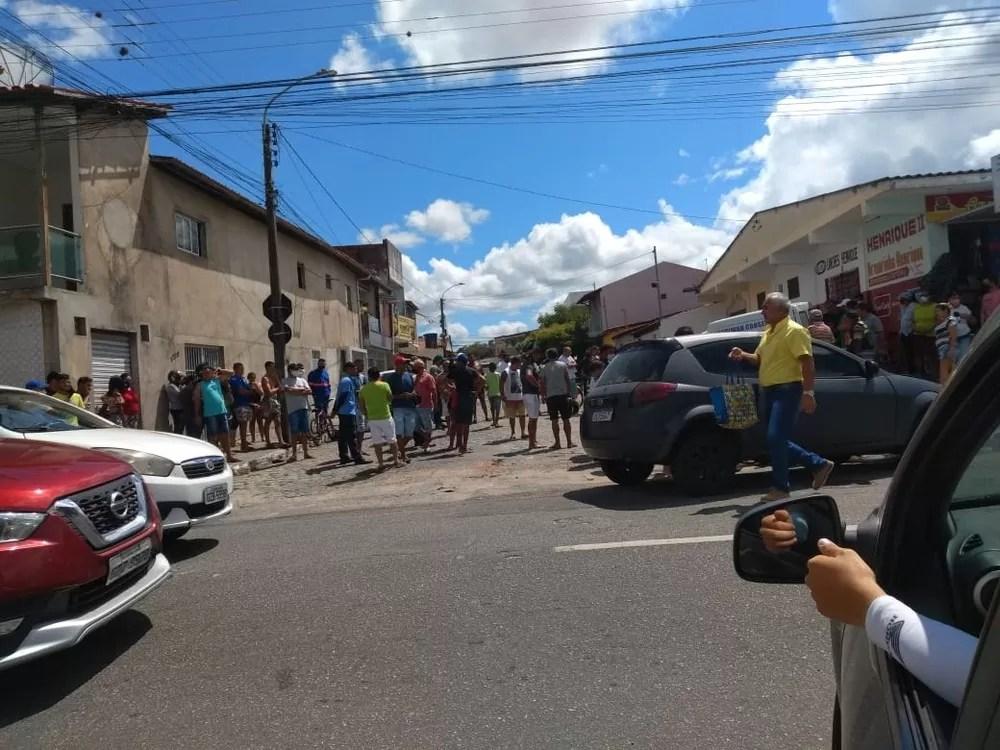 Homem morre no dia do aniversário após ser atingido por carro, em Campina Grande