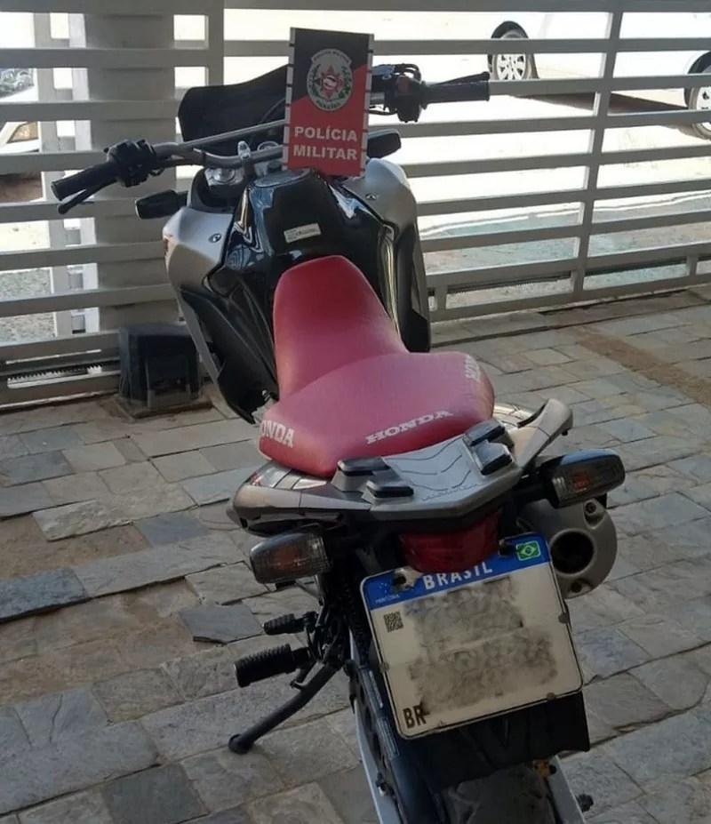 Polícia Militar recupera neste domingo (12) em Brejo do Cruz, motocicleta que fora furtada em Recife
