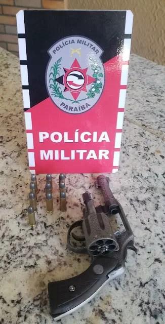 POLÍCIA MILITAR PRENDE DOIS HOMENS POR PORTE ILEGAL DE ARMA DE FOGO EM JERICÓ