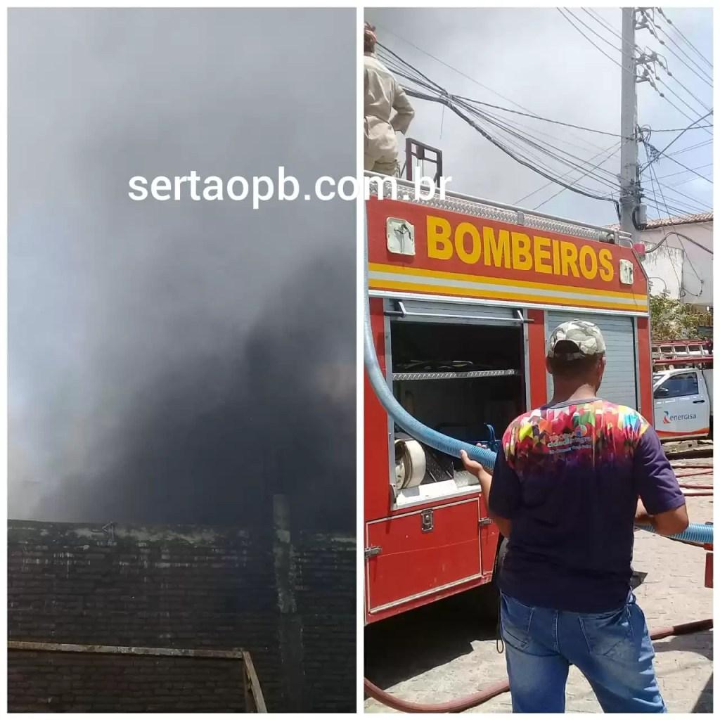 Incêndio destrói sucata no Centro de Pombal; VEJA VÍDEOS