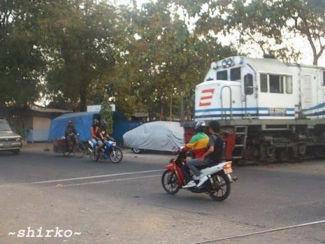 Kereta Nyebrang