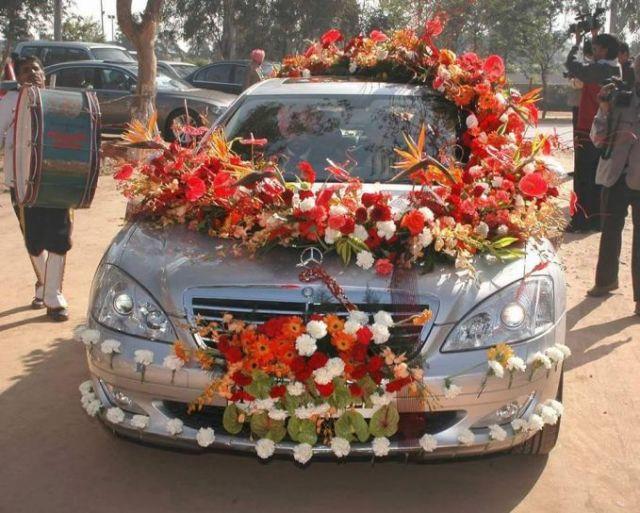 Mobil Pengantin Aneka Bunga