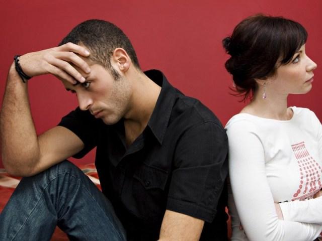 jangan suka melarangnya ini itu agar dia tidak merasa bosan dengan hubungan kalian. gambar via: www.beranda.co.id