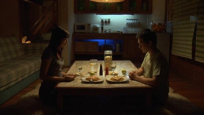 Perbedaan agama menjadi pemicu orang tua nggak merestui hubunganmu. Gambar via: www.hipwee.com