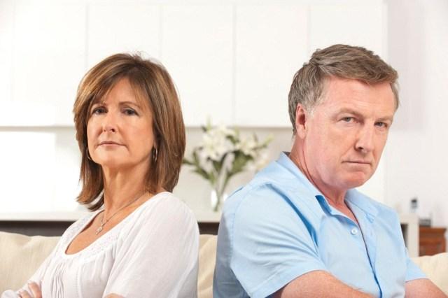 Orangtua cenderung tak setuju dengan pria yang lebih muda. Gambar via: www.huffingtonpost.com