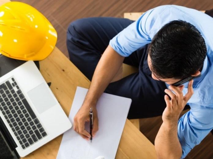 jika pacarmu selalu sibuk dengan pekerjaannya, mungkin saja ada suatu hal yang ingin dicapainya. kamu sebagai pasangannya harusnya lebih mendukung hal baik yang ia lakukan. gambar via: www.kaskus.co.id