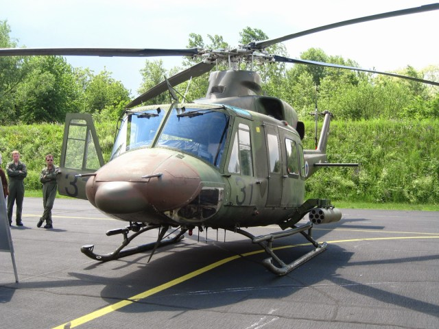 Helicopter Nbell 412