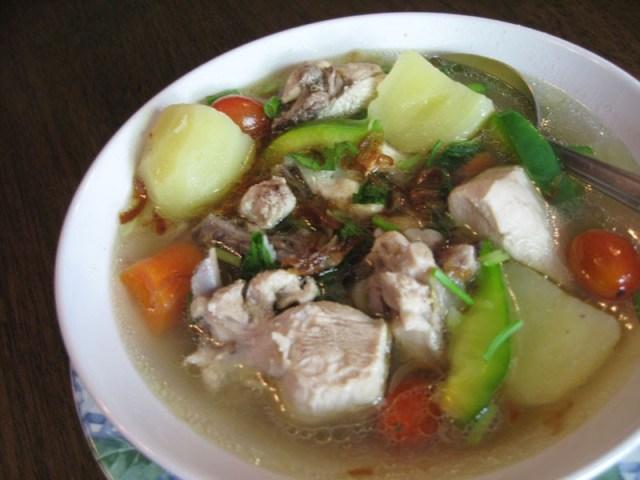 Sup ayam sebagai obat radang tenggorokan