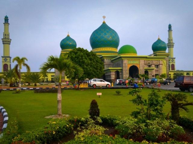 gambar via: Dunia Masjid - Jakarta Islamic Centre