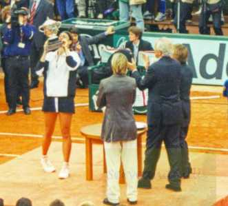 2000 Roland Garros Mary Pierce def. Conchita Martinez