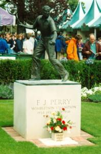 Fred Perry statue 2002 WimbledonSAR