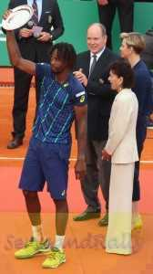 11Monfils with trophy