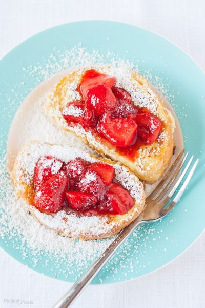 Banana-Cream-Cheese-Stuffed-French-Toast-with-Strawberry-Topping-recipe-7