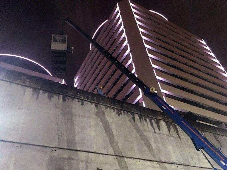 Descarga de equipos de enfriamientos en plantas elevadas