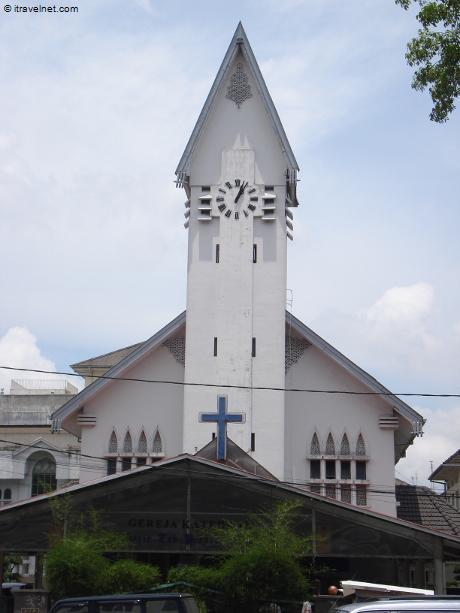 katedral medan 1