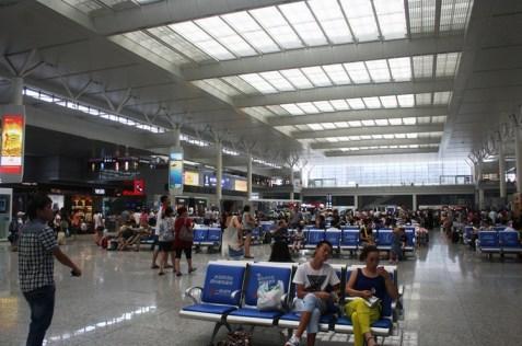IMG_7125 departure hall di Hongqiao - Copy