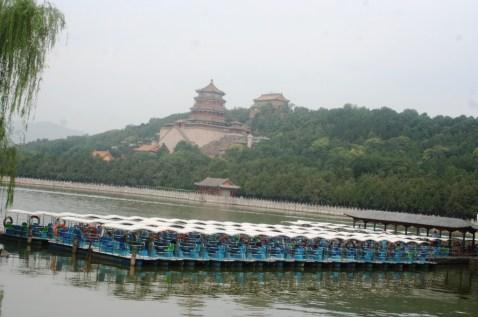 Summer Palace dengan perahu perahu