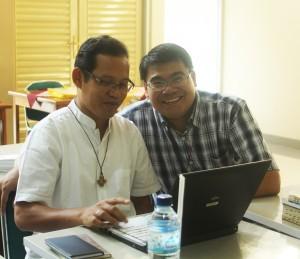 Romo Yohanes Rasul Susanto dan Romo Petrus Santoso yang bekerja di bidang pendidikan calon imam hadir dalam Kapitel SCJ Indonesia