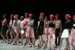 Gadis gadis centil Indonesian Fashion Week 2