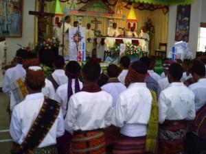 Misa Penerimaan Jubah bagi ke- 54 Frater SVD di Aula Santo   Arnoldus Jansen Nenuk, Selasa (31)(1)