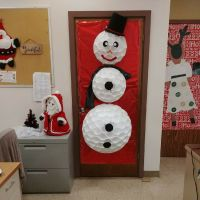 41 Cute Christmas Door Decoration Ideas for Your Holiday