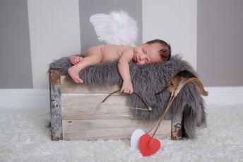 Cupid asleep on the job
