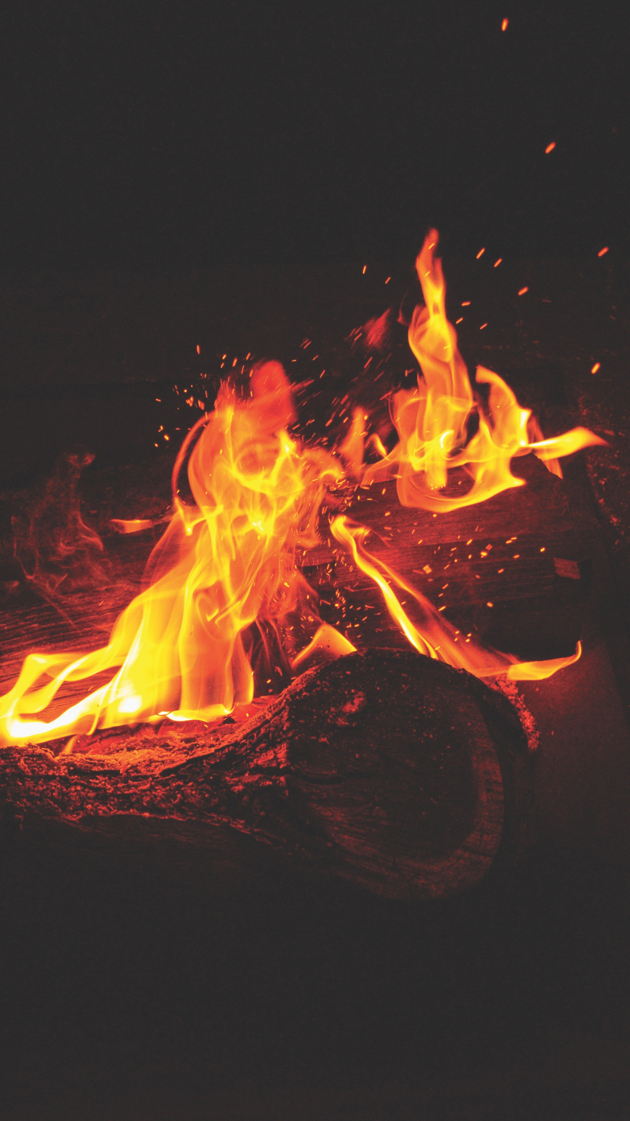 Whatsapp Car Wallpaper Download Bonfire Fire Flames Sparks Wallpaper 2160x3840