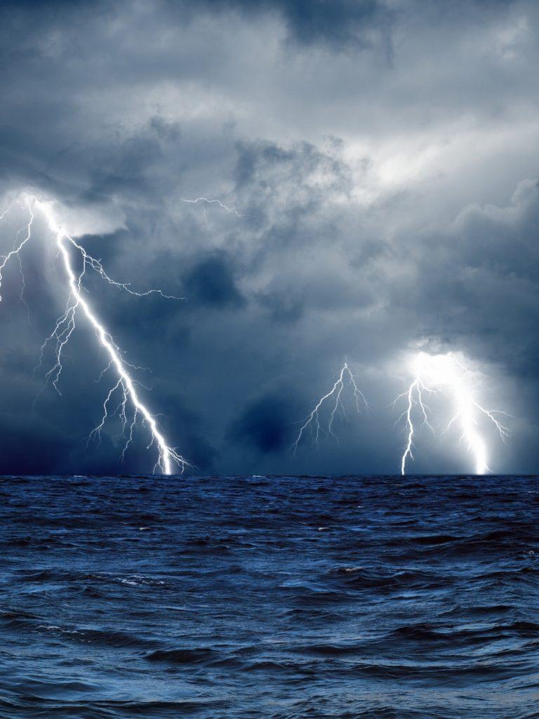 Ocean Waves Iphone Wallpaper Clouds Waves Sea Storm Lightning Wallpaper 1536x2048