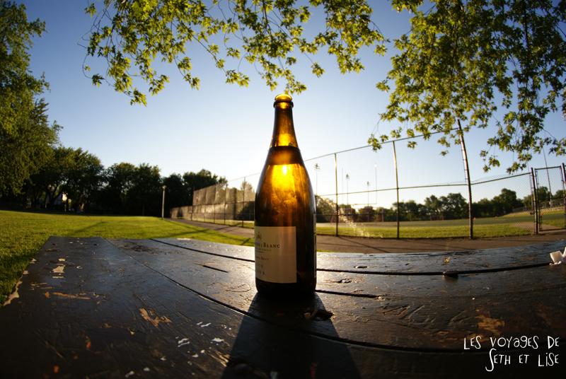 blog canada montreal pvt seth lise photo sunrise urbain soleil crépusucle vin bouteille wine