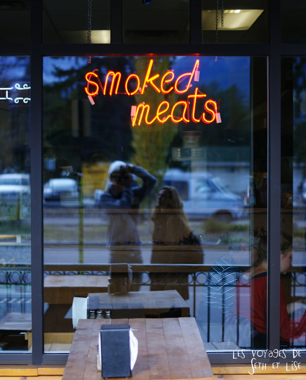 blog pvt pvtiste voyage photo photographie couple tour du monde canada japser rockies alberta rocky mountain vintage ville urban meat smoked restaurant